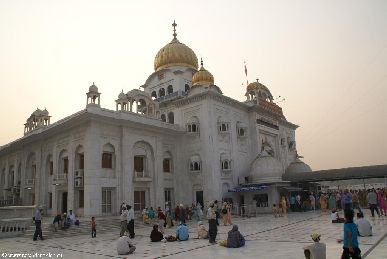 india.2007/delhi.india.gurdwara.bangla.sahib.1.small.jpg